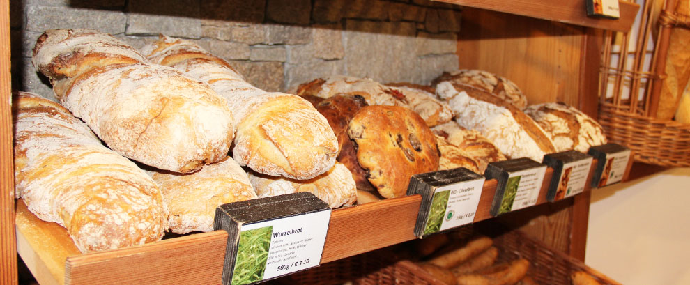 Herrlich frisches Brot & Gebäck